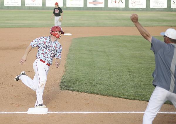 beejay32 rounding third